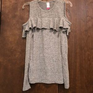 Tops - Gently used grey cold shoulder top